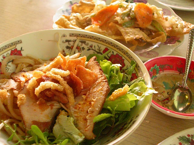 Food in Hoian - Top 10 must-try dishes