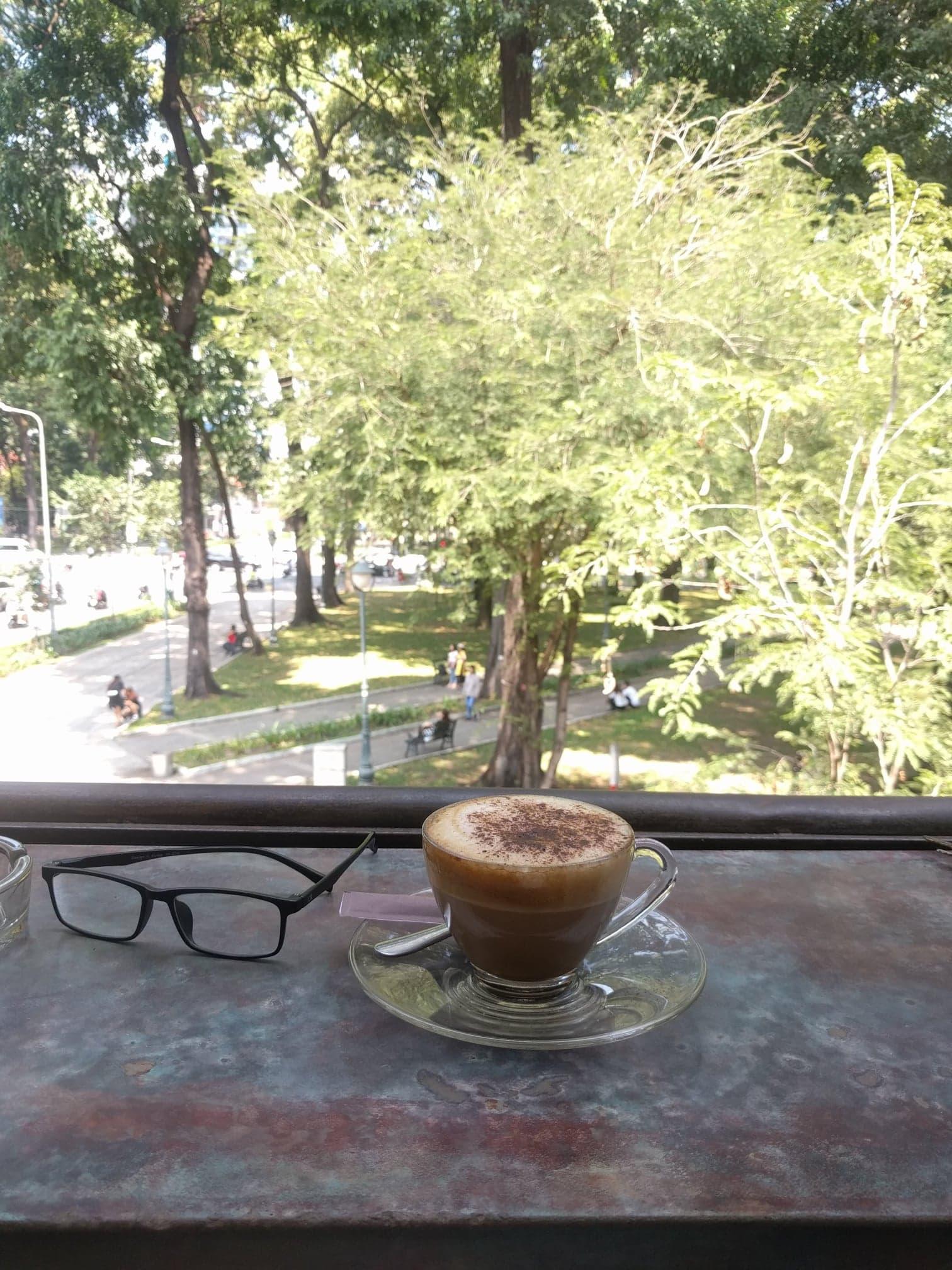 Backpacking in Saigon to enjoy good coffee