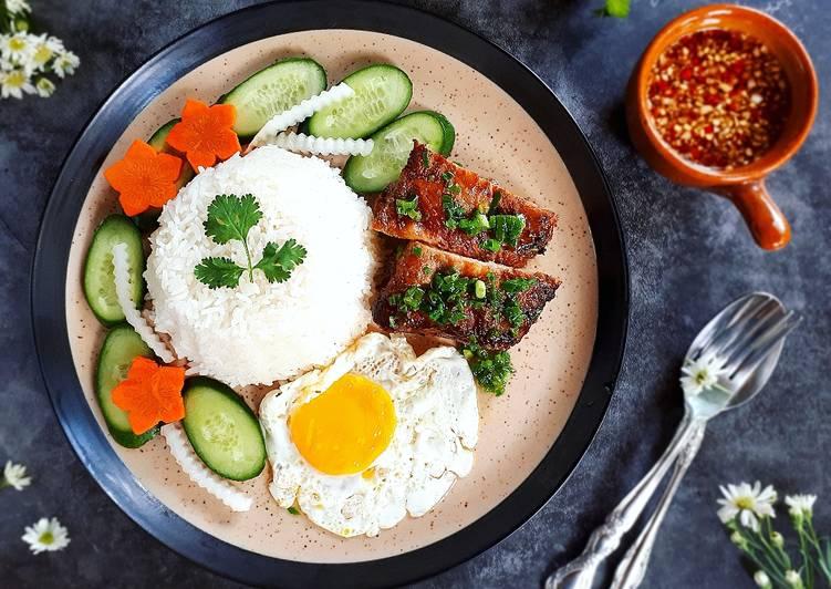 Food of Vietnam - Cơm Tấm