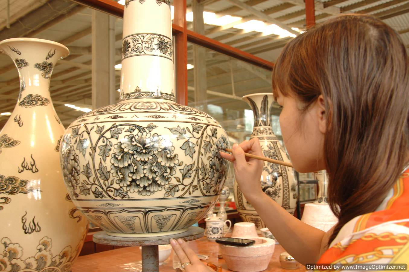 TOP 5 SPECIAL SOUVENIRS YOU SHOULD BUY IN VIETNAM   4