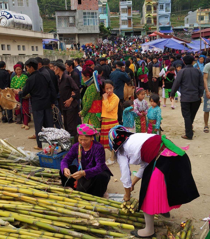 Backward markets Ha Giang
