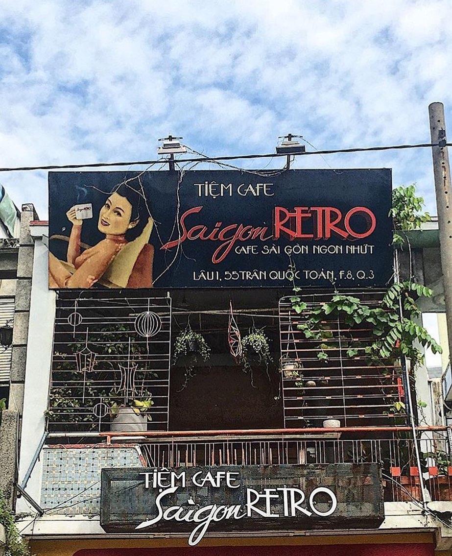 retro style cafe