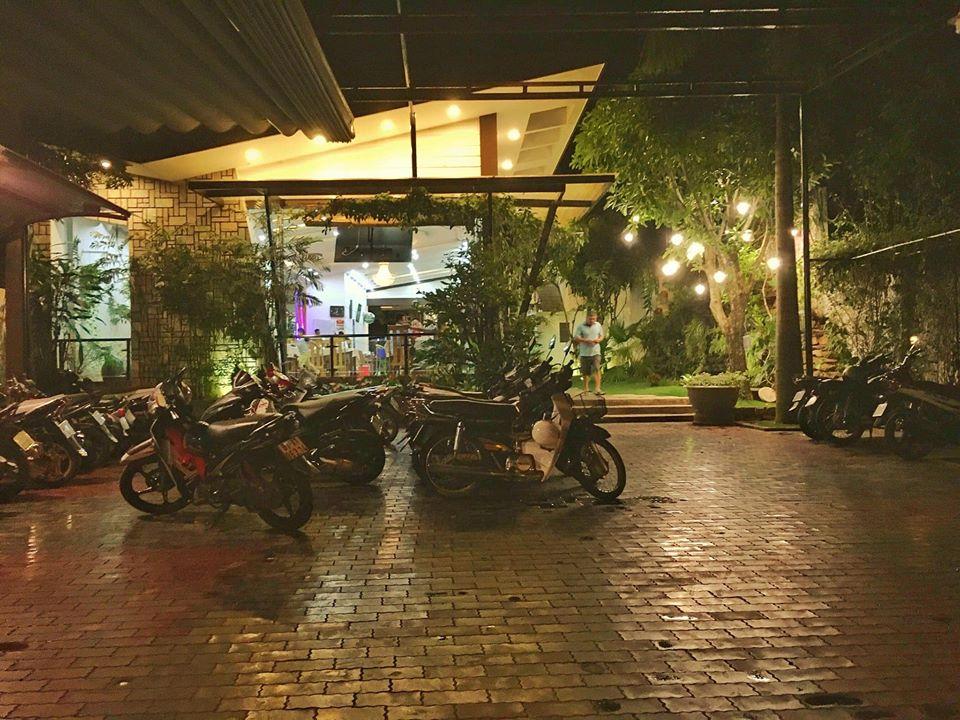 hotels & restaurants in Kon Tum